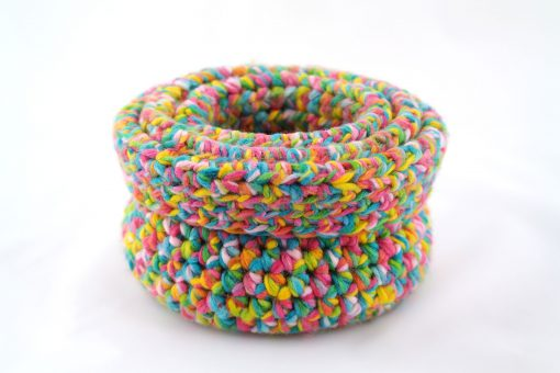 Bisofa – Panier en laine multicolore 3