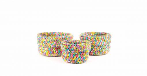 Bisofa – Panier en laine multicolore 1