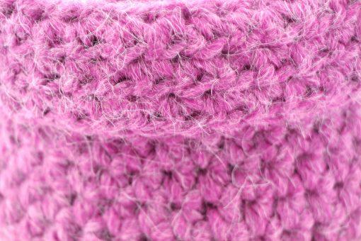 Bisofa – Panier en tricot rose 2
