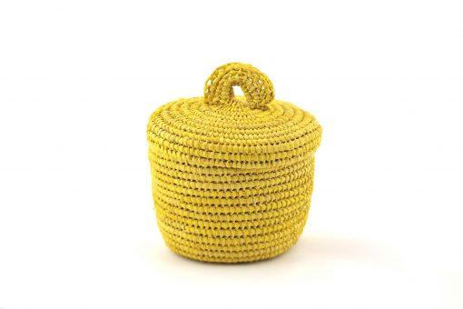 Tislila – Petit panier en raphia jaune