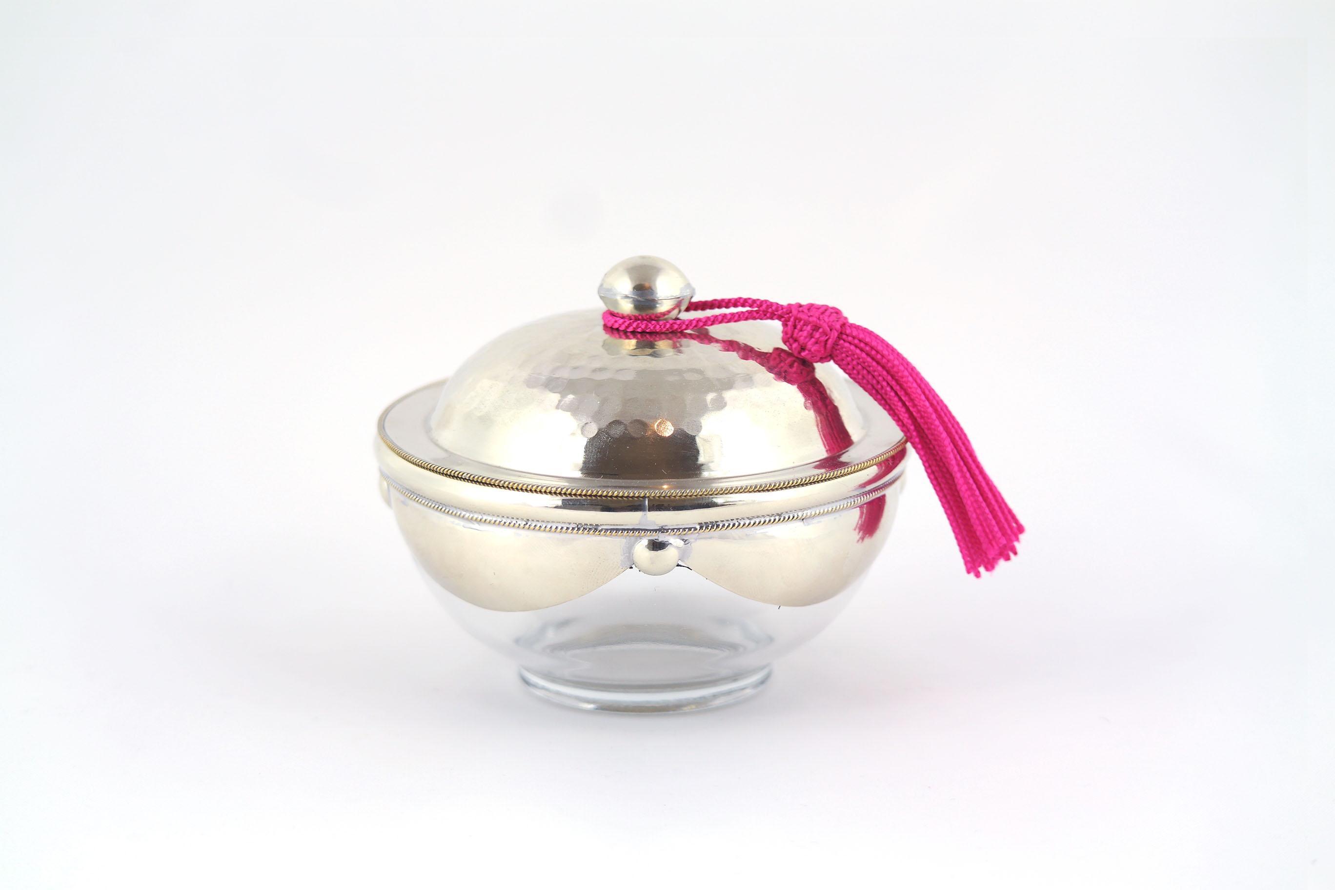 yasaboun pot en verre couvercle m tallique sabrayal. Black Bedroom Furniture Sets. Home Design Ideas