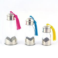 Yasaboun Set de 3 flacons marocains en verre maillechort