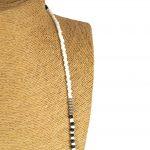 Lounayal – Sautoir à pompon en perles bicolores blanc & noir 2