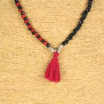 Lounayal – Sautoir à pompon en perles bicolores rouge & noir 2