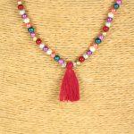 Lounayal – Sautoir à pompon en perles multicolores à perles brillantes – Zoom