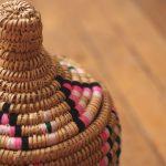 Aryal – Panier berbère naturel et couleurs Aklou – Modèle 1 (2)