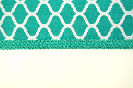pochette orientale verte bleue tissu fabric motif zellige pattern passementerie soie végétale sabra artisanat marocain