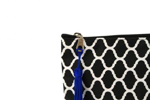 pochette orientale noire sabra pompon pompom blue bleu soie végétale vegetal silk artisanat marocain zip