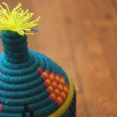 panier berbère bleu turquoise panier berbère rose panier laine bleu turquoise panier laine rose panier marocain bleu turquoise panier africain bleu turquoise panier africain jaune