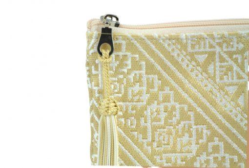 Pochette marocaine pochette orientale doré pompon soie doré trousse pompon soie doré pochette berbère pochette doré pochette pompon trousses marocaines brodées doré trousse brodée trousses doré trousse marocaine doré pochette de soirée brodée doré