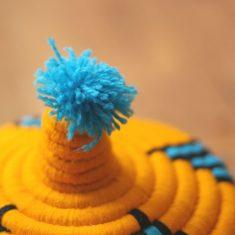 panier berbère jaune panier berbère bleu panier laine jaune panier laine bleu panier marocain jaune panier marocain bleu panier pompon panier africain pompon